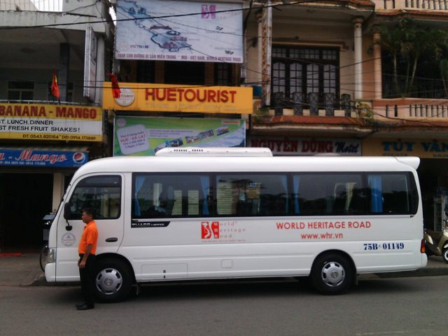 BUS (SIC) HUE DA NANG HOI AN